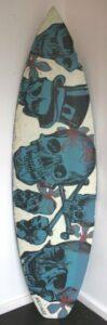 Db96 Surfboard Front Blue Skulls
