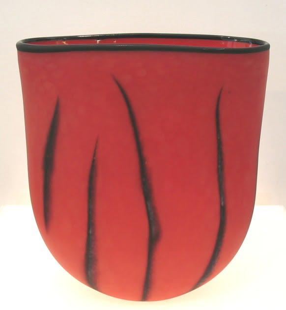 Grant Donaldson Red Vase 640