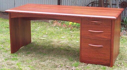 Desk Steggall