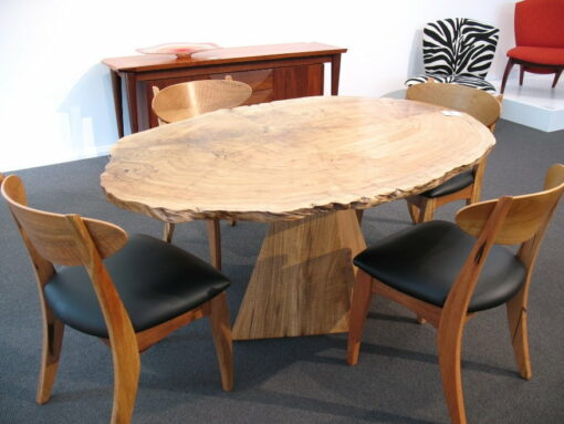 Isle Dining Table Dance Chairs