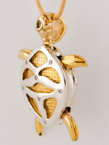 Larry Williamson Laura Turtle Pendant