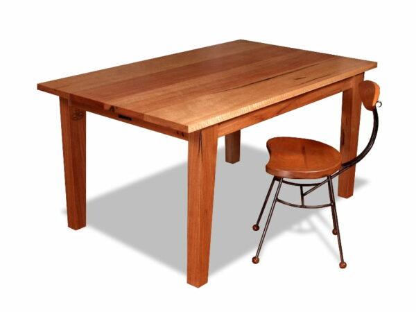 Subi Centro Dining Table