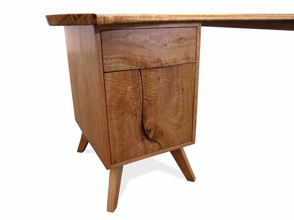 Longreach Bay Desk Blackbutt Detail