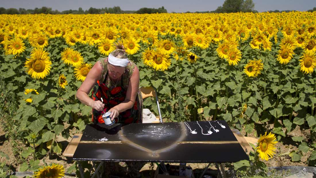 Karin-Luciano-on-the-Meseta-sunflower-fields-Palencia-Region-Spain