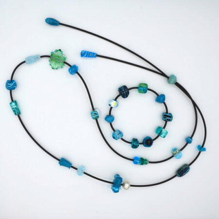 Ehe160 Ehe32 Evelyn Henschke Glass Bead Earrings And Necklace