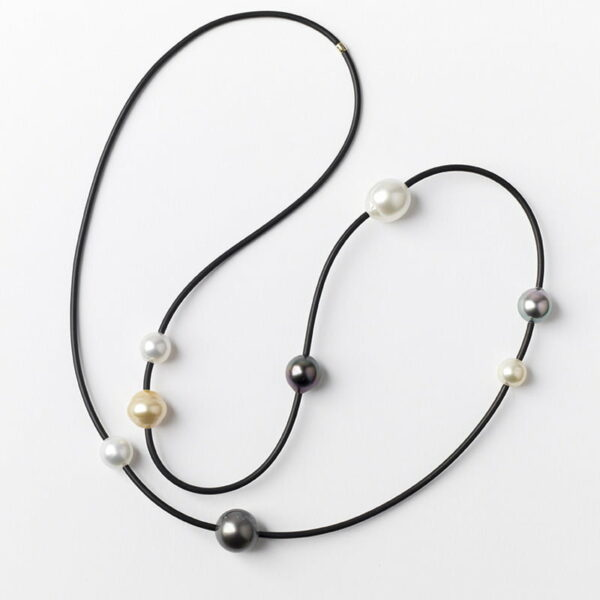Evelyn Henschke 8 Pearl Long Necklace Ehe100