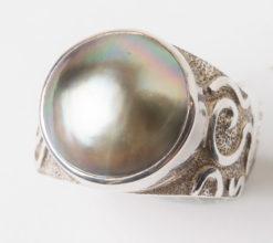 Jane Liddon   Mabe Swirl Ring Fine Art