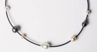 evelyn-henschke-7-pearl-choker-detail