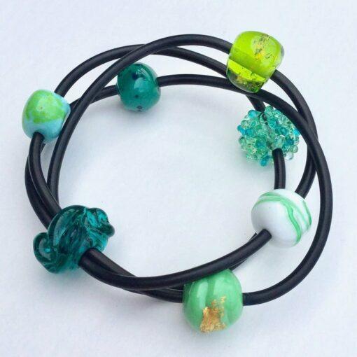 Evelyn Henschke 3 Strand Bracelet Green