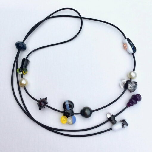 Evelyn Henschke Necklace Long Glass 3 Pearls
