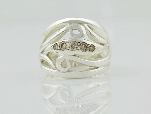 Gemma Baker Argyle Diamond Ring Front Gba319