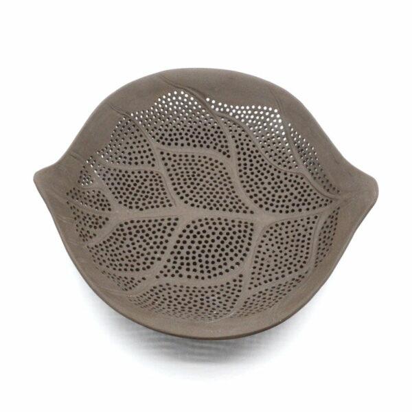 Dariya Gratte Porcelain Leaf Bowl