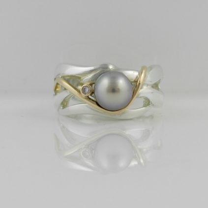 Gemma Baker – Pearl & Diamond Wave Ring