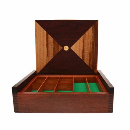 Jagath Prasantha Jarrah Collectors Box Open